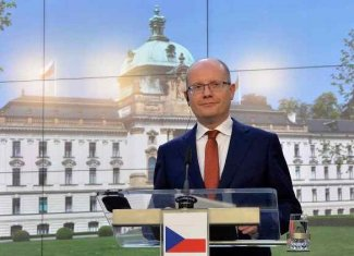 Pre-election battle at the top of Czech politics