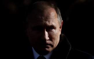 Cracks in the marble. Russians' trust in Putin on the decline